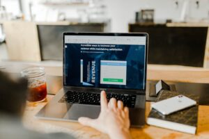 Read more about the article ConvertKit vs Leadpages – What's The Best Lead Gen Tool?