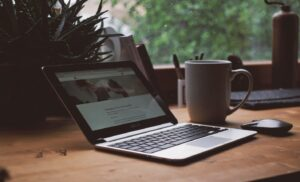 How to Start Freelance Writing – Advice From 11 Pro Writers